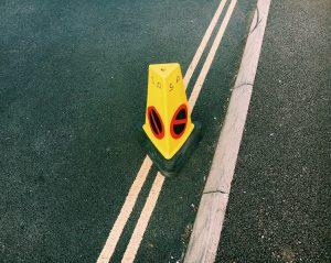 Jak wybrać oznakowanie drogowe?