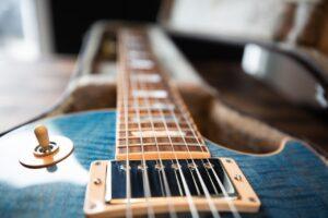 Struny do gitary – ważne informacje